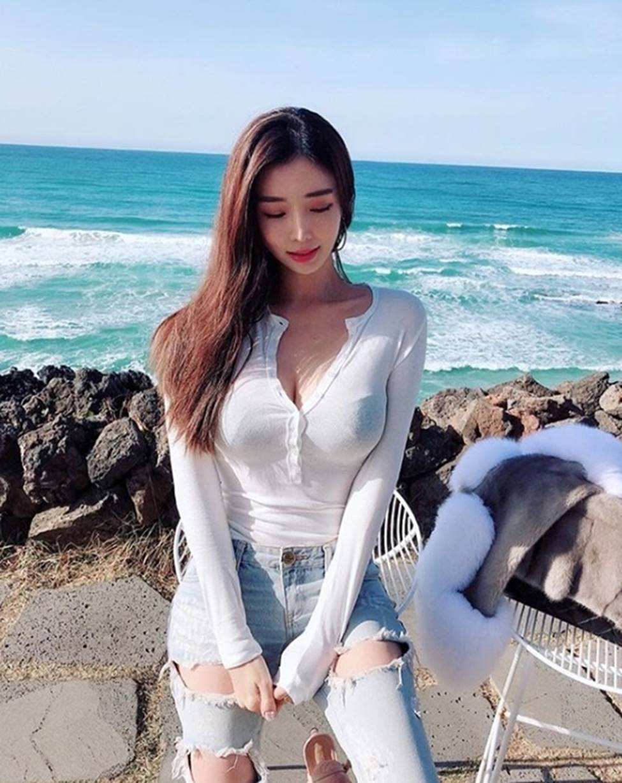 3 nữ thần sắc đẹp mới của mạng xã hội Hàn: Da như bông bưởi, dáng chữ S-1