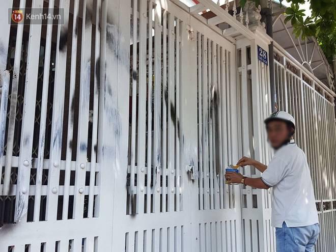 Nhà ông Linh bị khủng bố bằng chất bẩn, xịt sơn sau vụ sàm sỡ bé gái 7 tuổi-3