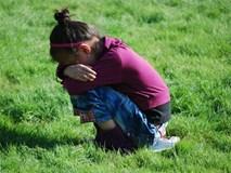Hãy sử dụng sự im lặng như một chiến thuật thay vì la hét giận dữ khi trẻ làm sai điều gì đó