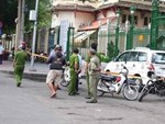 Tài xế chở 4 khách từ Hà Nội về Thanh Hóa kế phút bị quỵt tiền, ném đá sắc nhọn vỡ kính xe-2