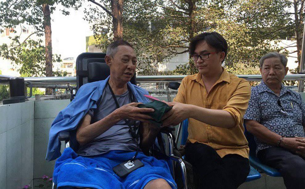 Sức khỏe của nghệ sĩ Lê Bình chuyển biến nguy hiểm, MC Đại Nghĩa gửi tặng 270 triệu đồng-1