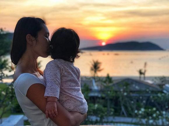 Đi du lịch Quy Nhơn, siêu mẫu Hà Anh cũng không quên gợi ý cách chọn đồ bơi cho các chị em-5