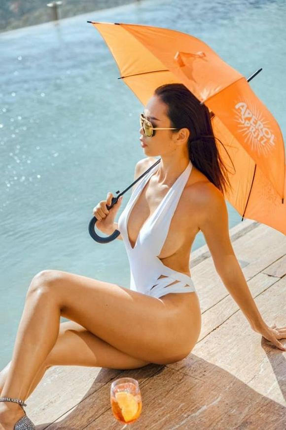Đi du lịch Quy Nhơn, siêu mẫu Hà Anh cũng không quên gợi ý cách chọn đồ bơi cho các chị em-6