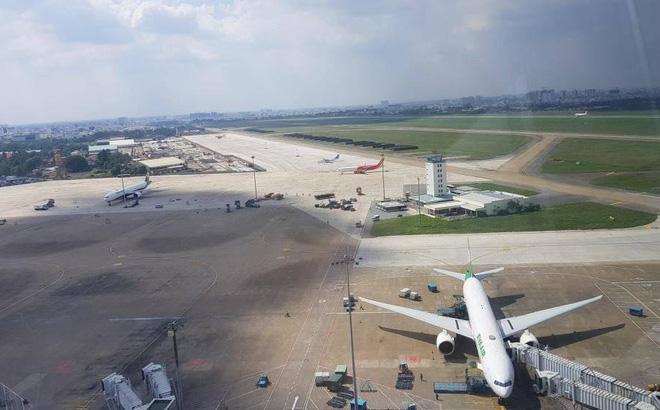 Một thanh niên trần truồng xâm nhập trái phép sân bay Tân Sơn Nhất-1