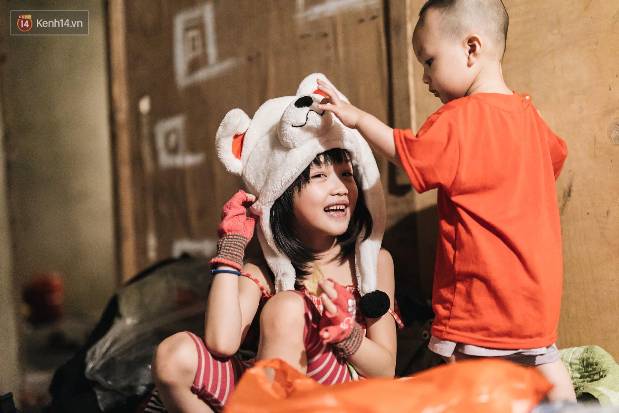 Bất ngờ nổi tiếng sau 1 đêm, bé gái 6 tuổi phối đồ chất ở Hà Nội trở về những ngày lang thang bán hàng rong cùng mẹ-4