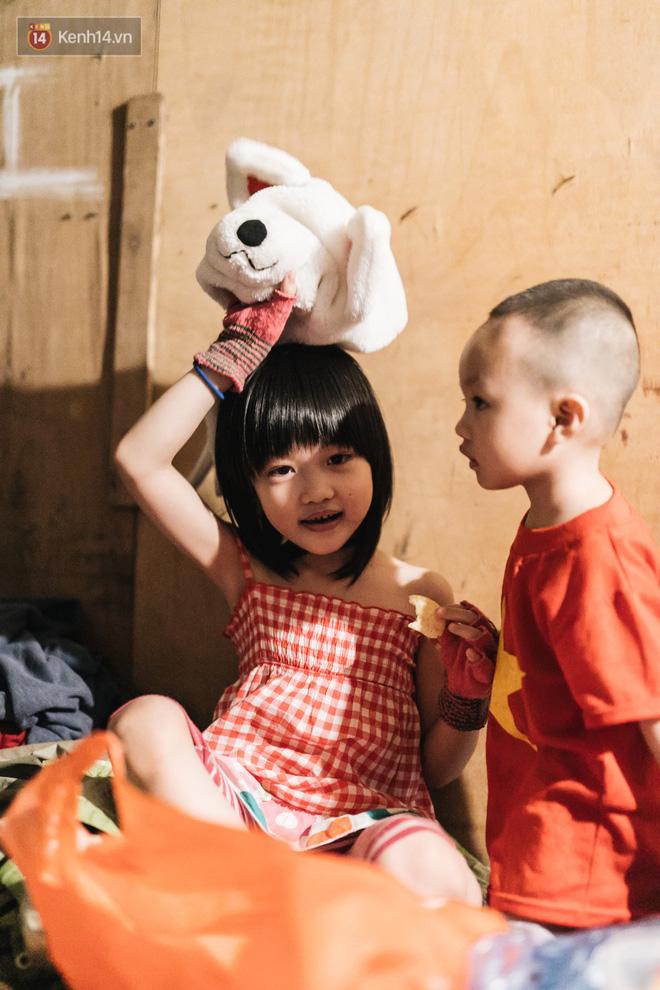Bất ngờ nổi tiếng sau 1 đêm, bé gái 6 tuổi phối đồ chất ở Hà Nội trở về những ngày lang thang bán hàng rong cùng mẹ-21