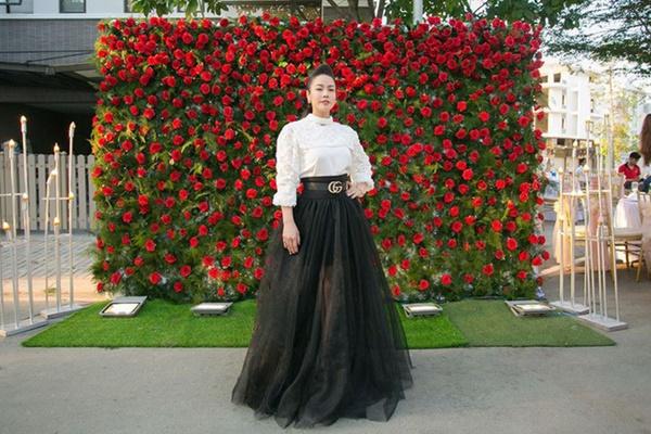Ngắm biệt thự triệu đô bình yên với khu vườn rực rỡ sắc hoa cùng hồ cá Koi của Nhật Kim Anh giữa lòng Sài Gòn-1