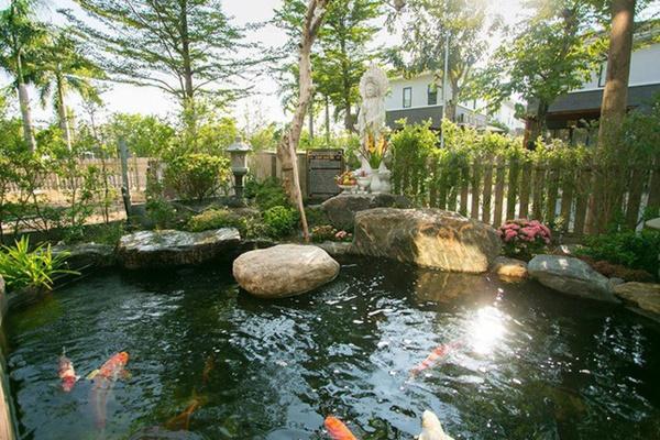 Ngắm biệt thự triệu đô bình yên với khu vườn rực rỡ sắc hoa cùng hồ cá Koi của Nhật Kim Anh giữa lòng Sài Gòn-2