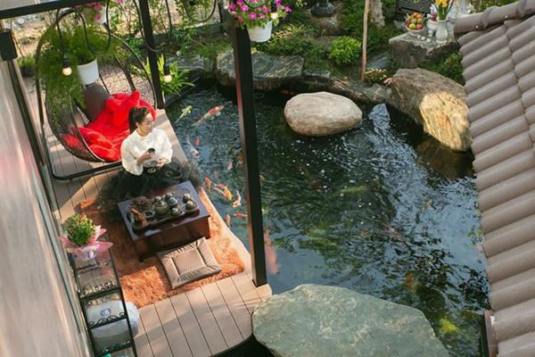 Ngắm biệt thự triệu đô bình yên với khu vườn rực rỡ sắc hoa cùng hồ cá Koi của Nhật Kim Anh giữa lòng Sài Gòn-7