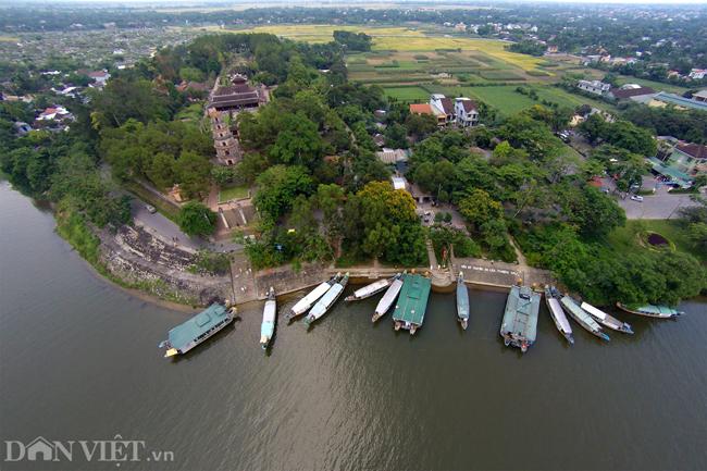Ngôi chùa đẹp nhất xứ Huế nhìn từ trên cao-1