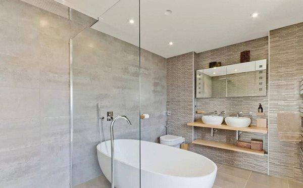 10 đồ vật tuyệt đối không để trong nhà tắm, cái thứ 4 nhà nào cũng mắc-4