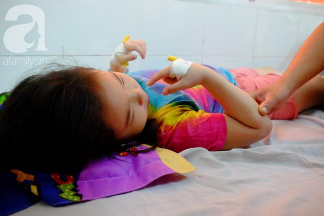 TP.HCM: 61 học sinh nhập viện sau khi ăn trưa tại trường tiểu học-4