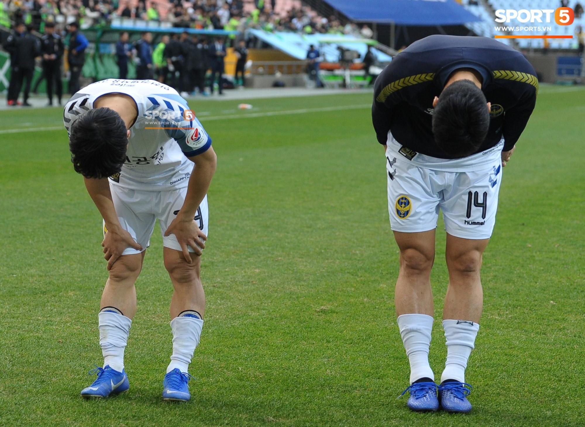 Công Phượng có hành động đẹp với đồng đội trong ngày Incheon United thua trận-11