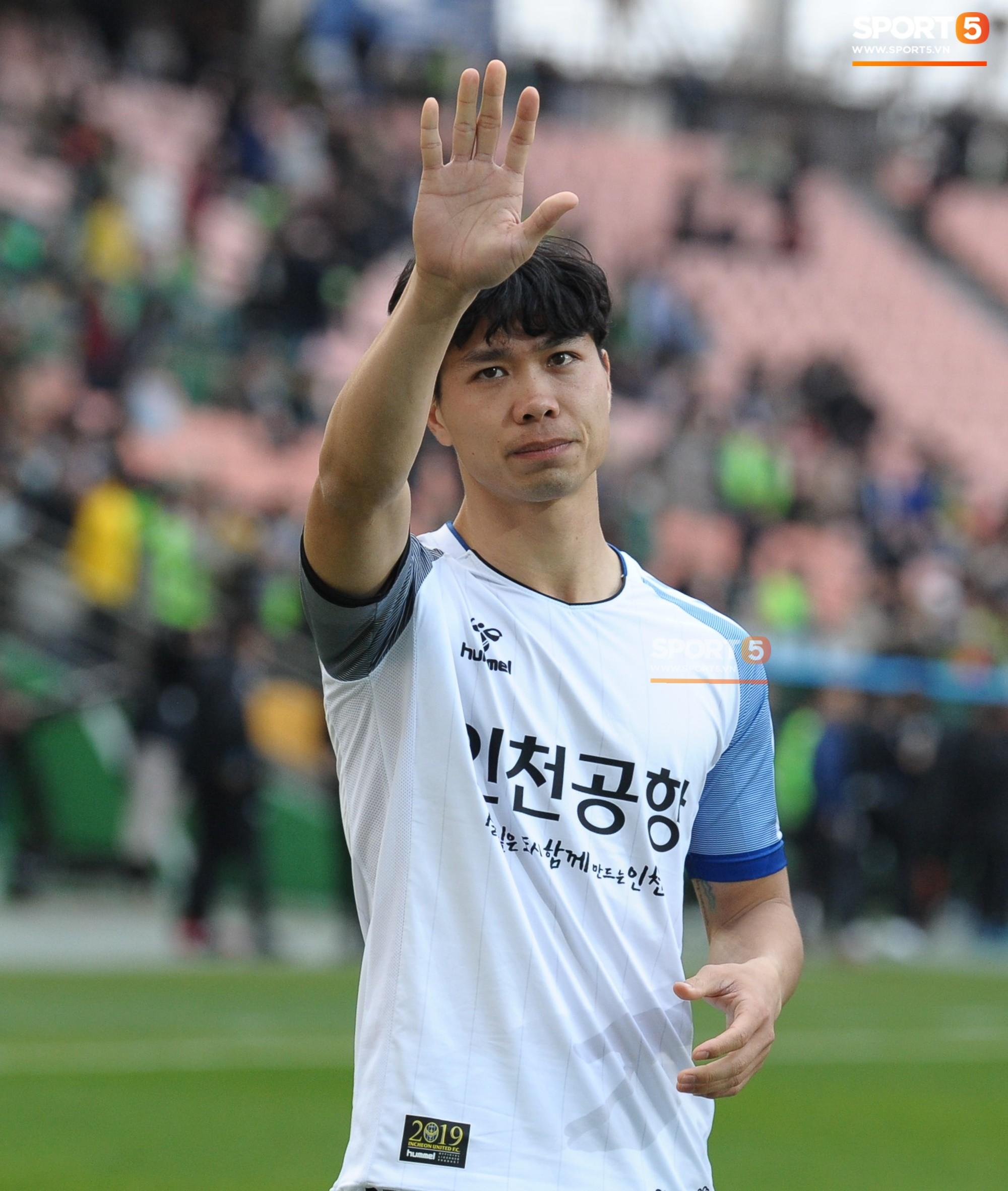 Công Phượng có hành động đẹp với đồng đội trong ngày Incheon United thua trận-13