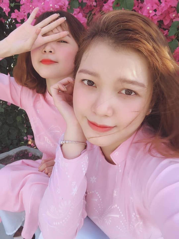 Chọn áo dài hồng làm đồng phục, nữ sinh trường Đại học này đang gây sốt bởi vì quá duyên dáng!-2