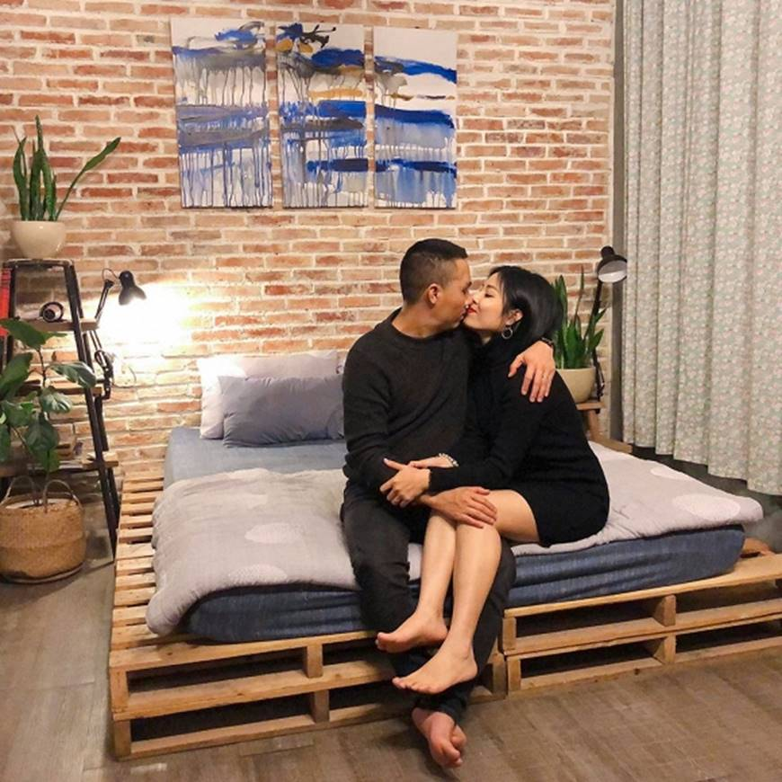 MC Hoàng Linh và bạn trai khiến dân mạng ghen tỵ khi tung loạt hình mật ngọt-6