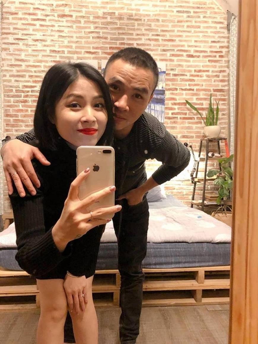 MC Hoàng Linh và bạn trai khiến dân mạng ghen tỵ khi tung loạt hình mật ngọt-8