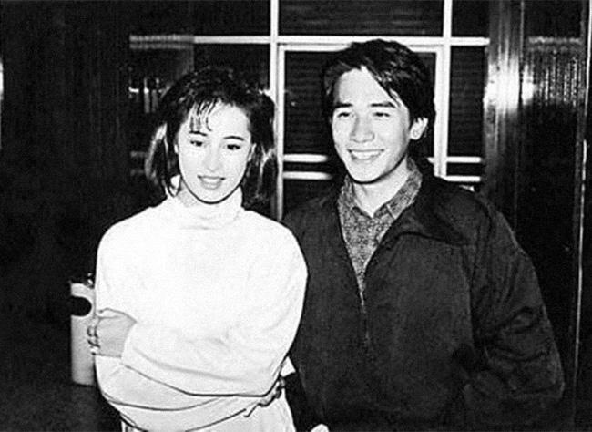 Mối tình đầu của Lương Triều Vỹ: Tình yêu thanh xuân dài 6 năm vẫn tan tành vì 2 lần bị bạn thân cướp người yêu-6