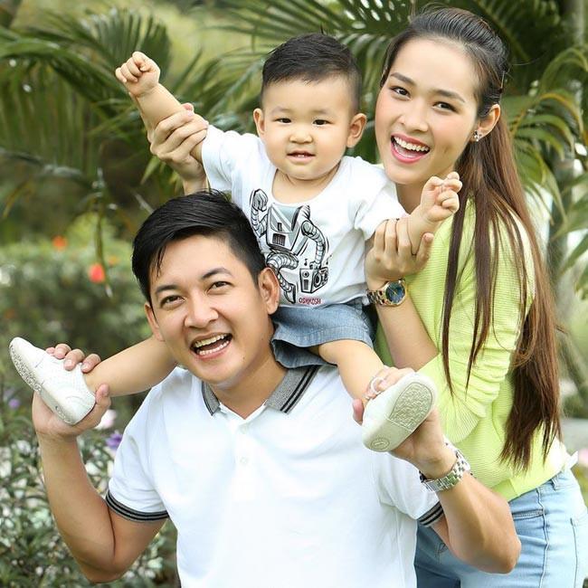 Cuộc sống làm mẹ đơn thân đầy bất ngờ của mỹ nhân Việt lấy chồng giàu có năm 19 tuổi-1