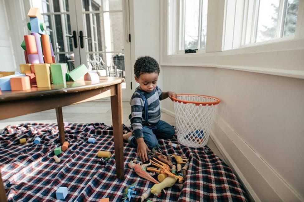 Mách các mẹ 7 bí kíp dạy con cách tự dọn dẹp sau khi bày bừa mà không phải la hét, quát mắng-1
