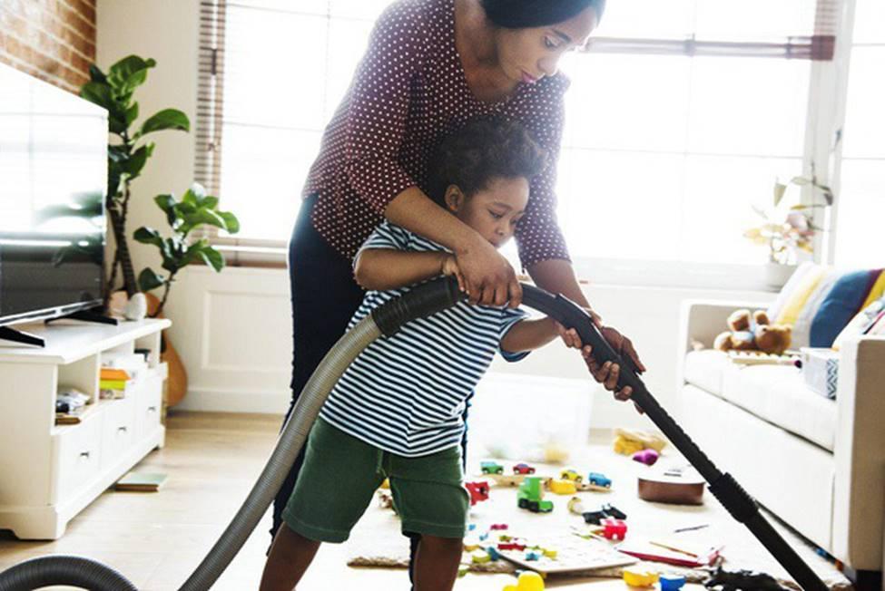 Mách các mẹ 7 bí kíp dạy con cách tự dọn dẹp sau khi bày bừa mà không phải la hét, quát mắng-3