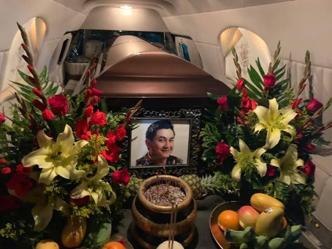 Tỉ phú Hoàng Kiều mang gần 700 triệu tới viếng đám tang nghệ sĩ Anh Vũ-2