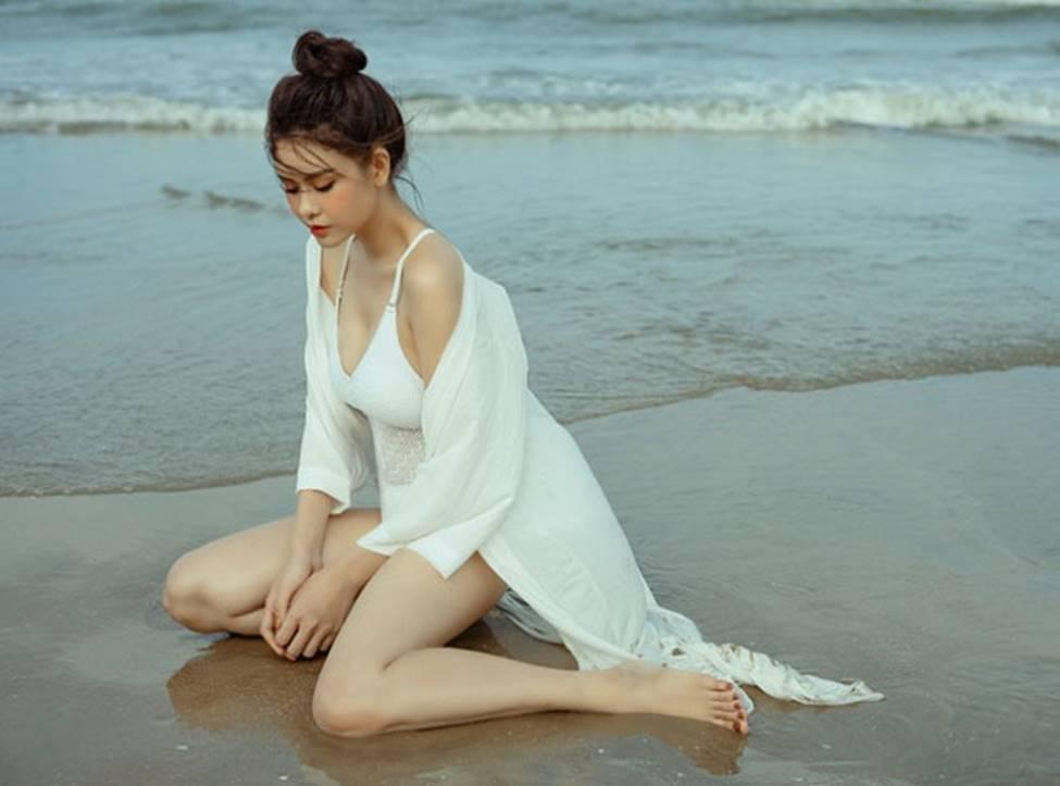 Phạm Quỳnh Anh, nữ DJ Điện Biên mặc quyến rũ gấp bội sau ly hôn-21