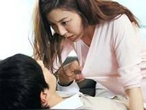Đi công tác, nam bác sĩ quay cuồng trong mối tình với sếp nữ