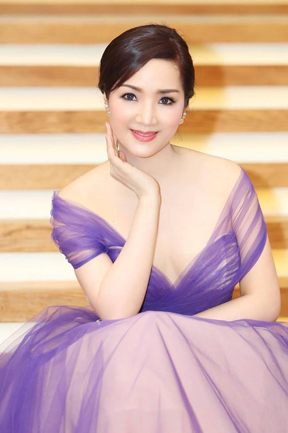 4 nữ hoàng ảnh lịch Việt giờ đây U50, U60 vẫn trẻ đẹp, gợi cảm đáng kinh ngạc-3