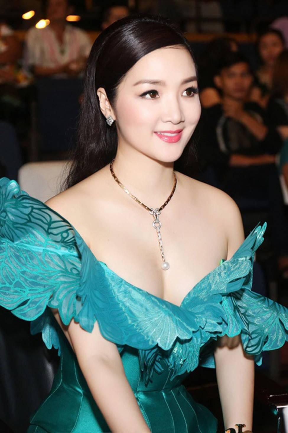 4 nữ hoàng ảnh lịch Việt giờ đây U50, U60 vẫn trẻ đẹp, gợi cảm đáng kinh ngạc-4
