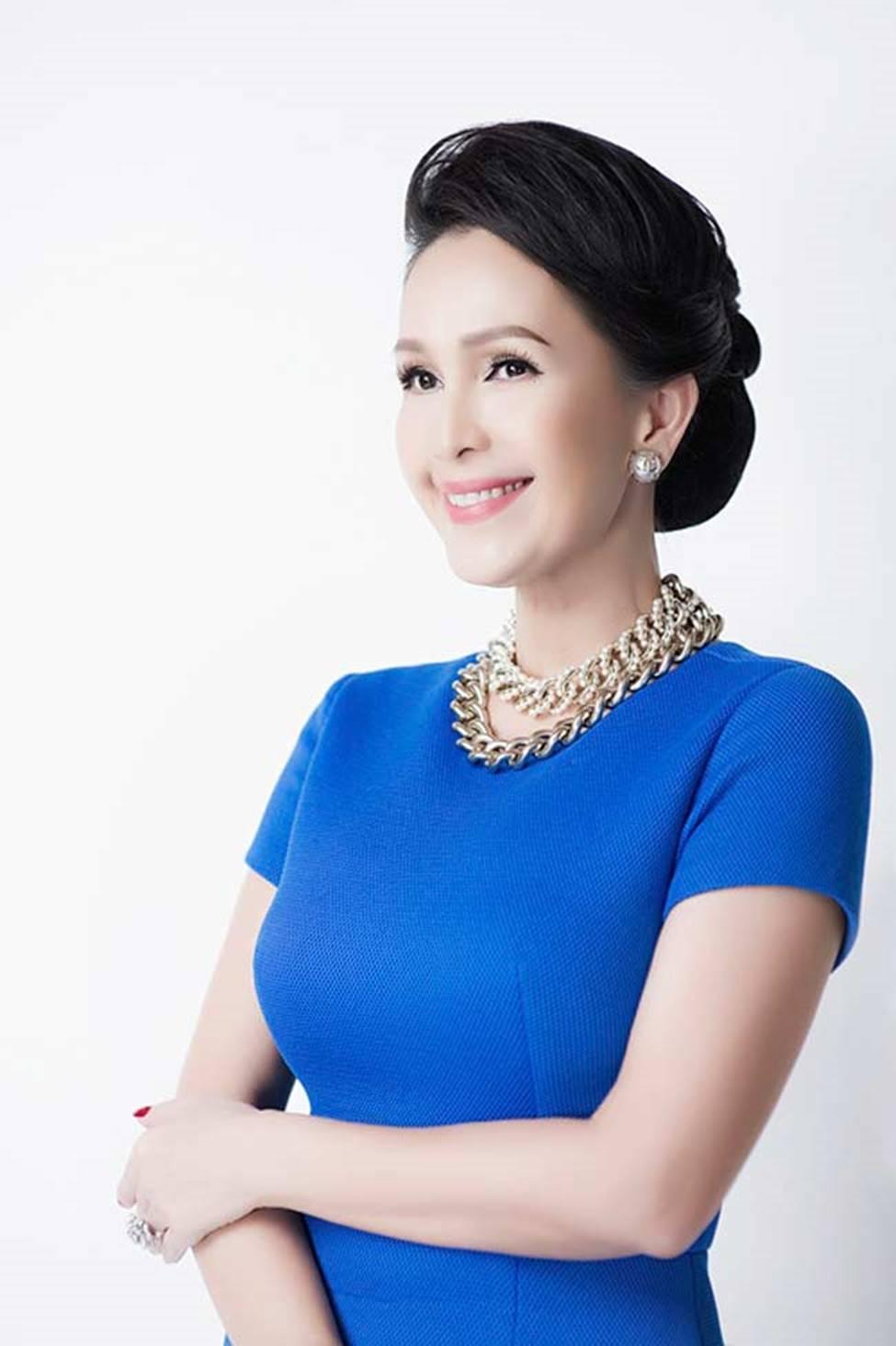 4 nữ hoàng ảnh lịch Việt giờ đây U50, U60 vẫn trẻ đẹp, gợi cảm đáng kinh ngạc-9