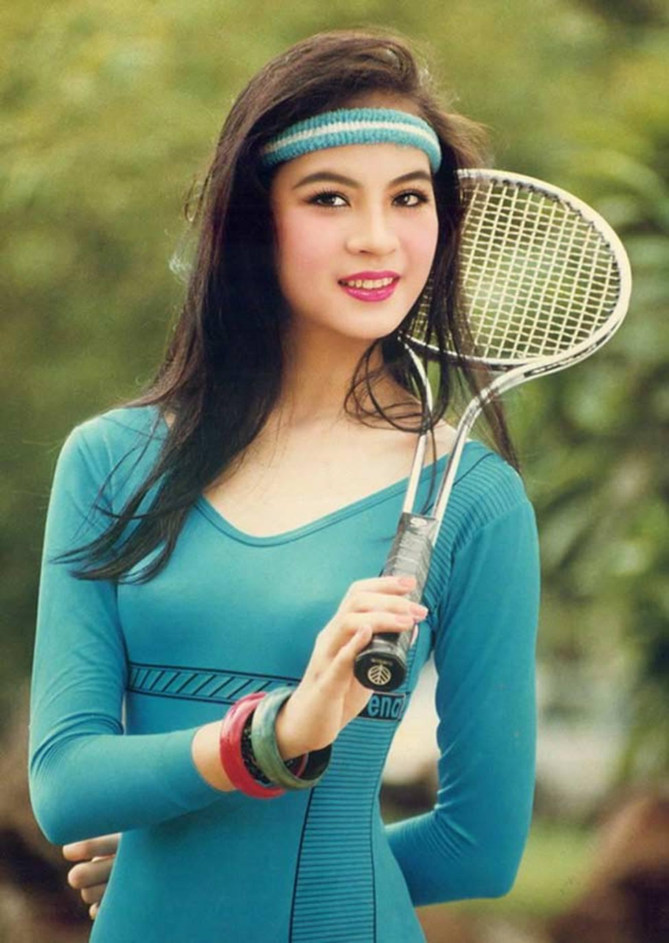 4 nữ hoàng ảnh lịch Việt giờ đây U50, U60 vẫn trẻ đẹp, gợi cảm đáng kinh ngạc-11
