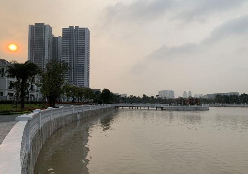 Khu dân cư đại gia: Mấy trăm triệu mua 2 tấn cá phóng sinh xuống hồ-1