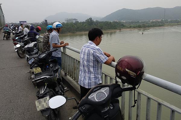 Nữ kế toán trường mầm non nhảy xuống sông Lam sau cuộc điện thoại-2