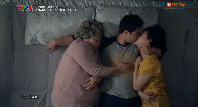 Nàng dâu order tập 1: Chưa có phim truyền hình Việt nào mà mới mở màn, cặp đôi chính đã hở ra là hôn thế này!-11