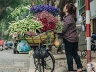 Tháng 4 về, Hà Nội lại dịu dàng những gánh loa kèn trắng tinh khôi, thơm nồng nàn khắp các góc phố