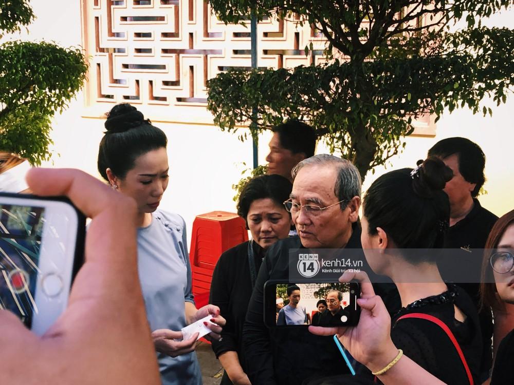 Bố Anh Vũ lộ diện, thay mặt gia đình gửi lời cám ơn bạn bè, khán giả chung tay đưa cố nghệ sĩ về đất mẹ-1