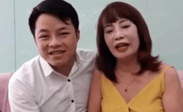 Cô dâu 62 tuổi bất ngờ báo mang bầu cho chồng trẻ, mong dân mạng chúc phúc cho kì tích-1