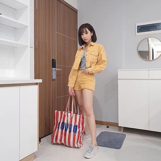 Cùng lăng-xê áo tay bồng khoét ngực sâu hút, Jun Vũ ghi điểm - Khánh Linh lộ thân hình gầy guộc đáng lo-6