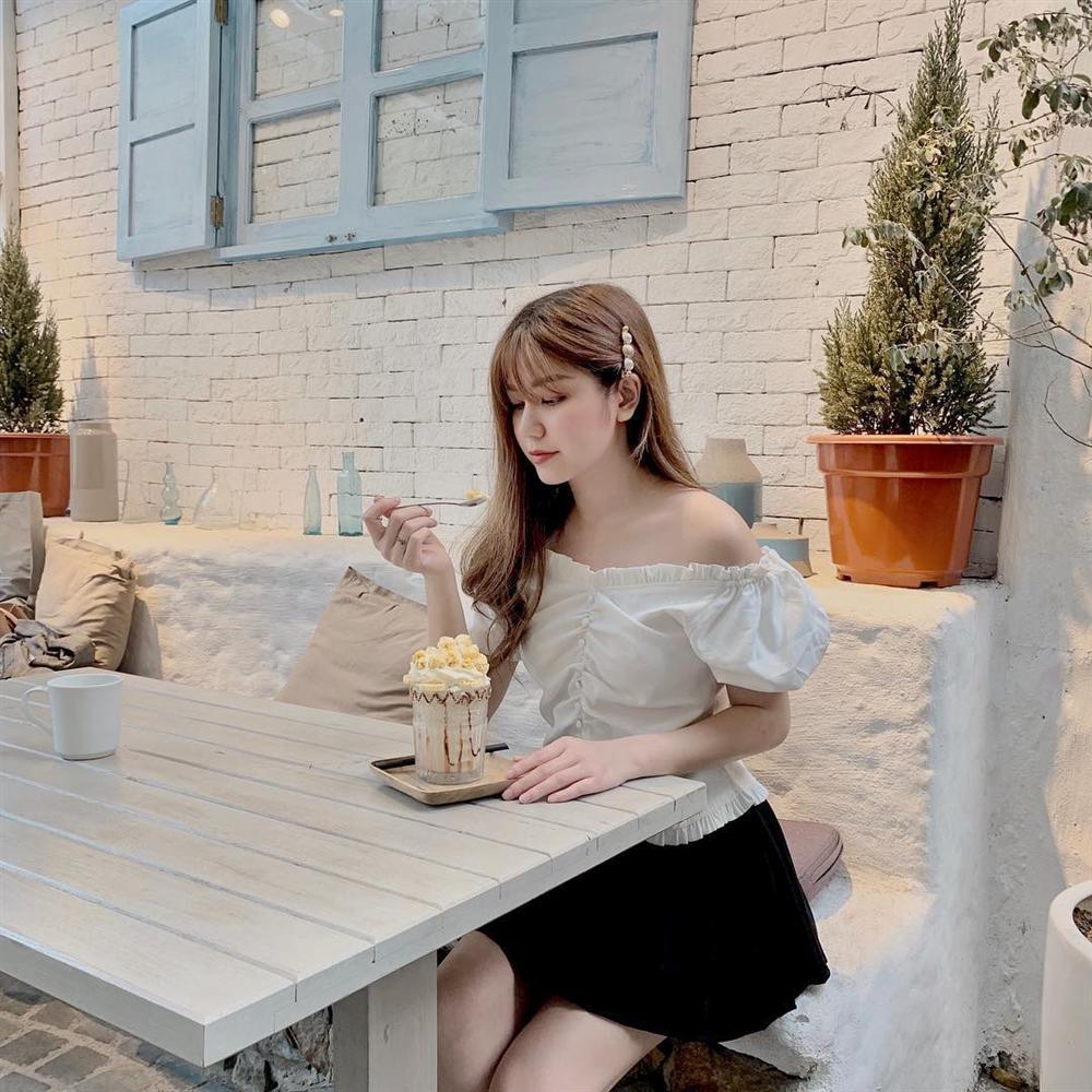 Cùng lăng-xê áo tay bồng khoét ngực sâu hút, Jun Vũ ghi điểm - Khánh Linh lộ thân hình gầy guộc đáng lo-9