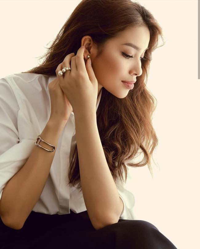 Đâu chỉ mỗi Kỳ Duyên, showbiz Việt đã có thêm Tân Hoa hậu Scandal mới mang tên Phạm Hương-6