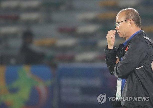 Một nửa tuyển Việt Nam nhạt nhòa ở V-League: Thầy Park đau đầu-2