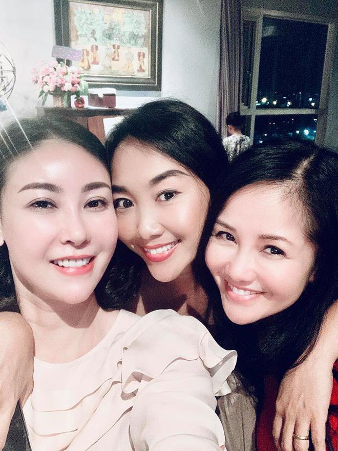 Đoan Trang động viên Hồng Nhung sau biến cố hôn nhân: Không gì có thể đánh gục được chị-1