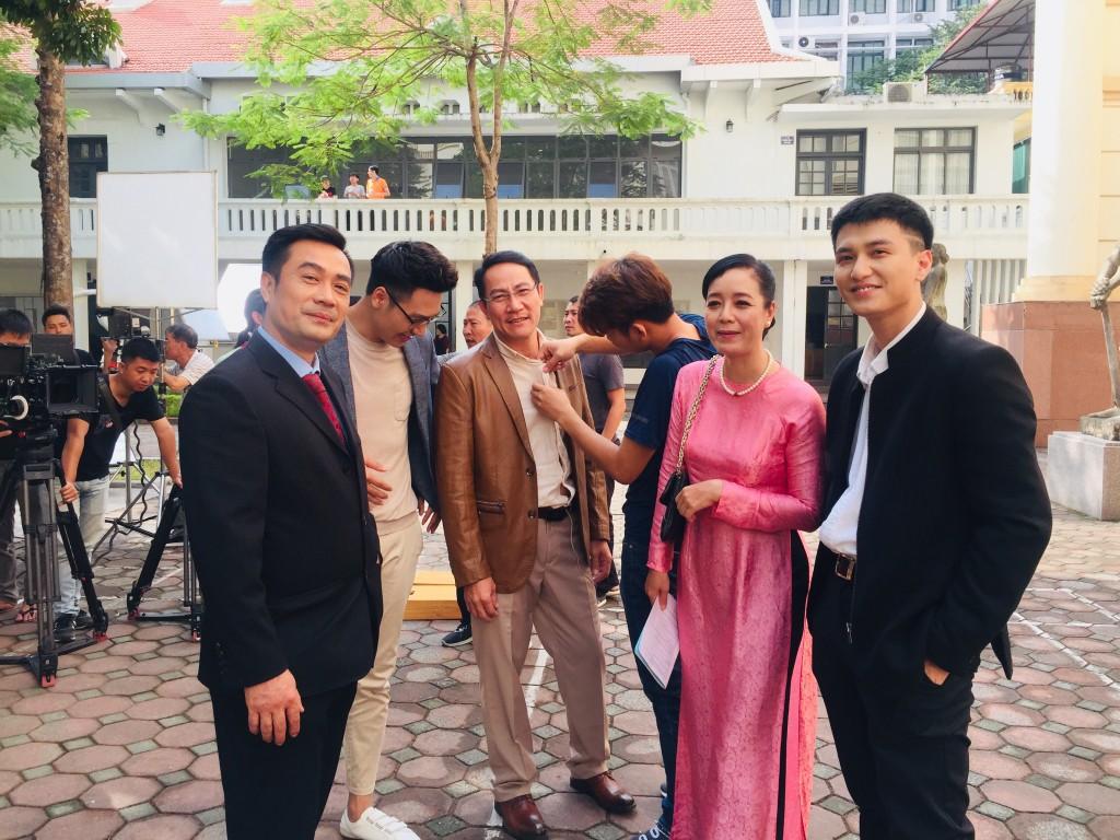 Ekip Chạy Trốn Thanh Xuân tiết lộ Huỳnh Anh nhiều lần đi trễ, có hôm cả đoàn đợi 2 tiếng?-5