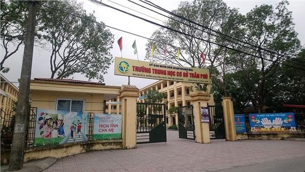 Thầy giáo dạy Toán bị tố thường xuyên dâm ô 7 nam sinh giỏi ở Hà Nội-1