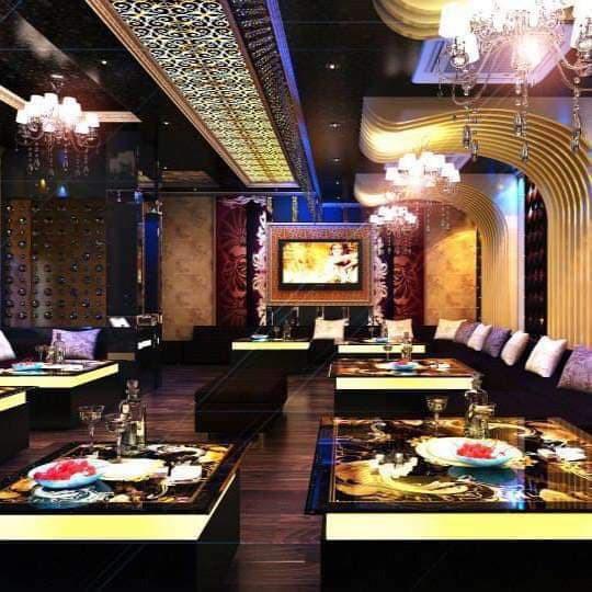 Bên trong quán karaoke ăn chơi của Phúc XO - người đeo nhiều vàng nhất Việt Nam vừa bị công an tạm giữ-4