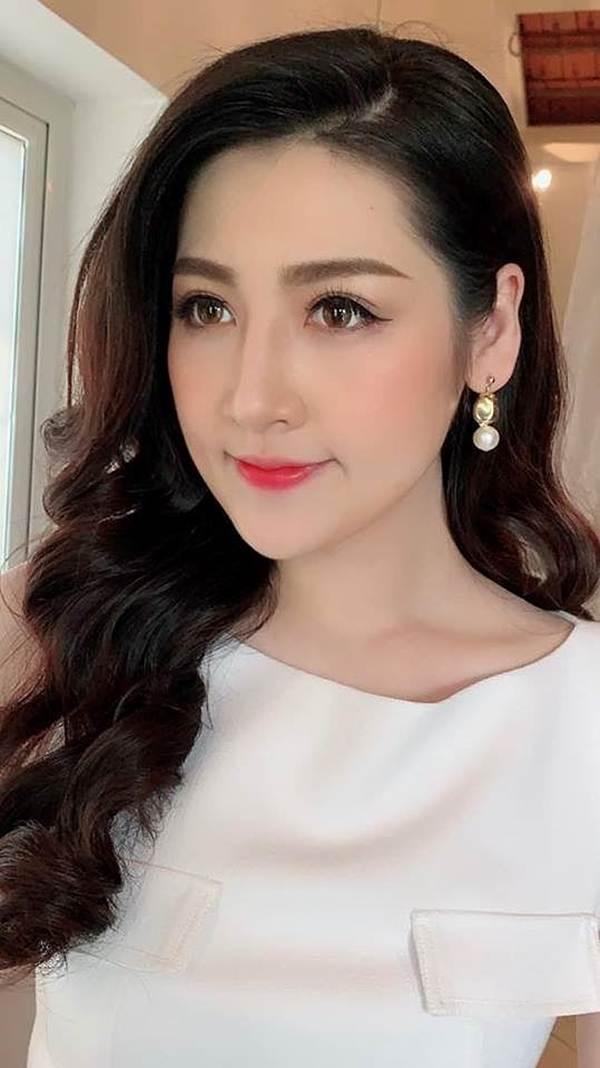 Hoa hậu Phương Khánh khoe ảnh bikini gợi cảm trên nhà cao tầng-10