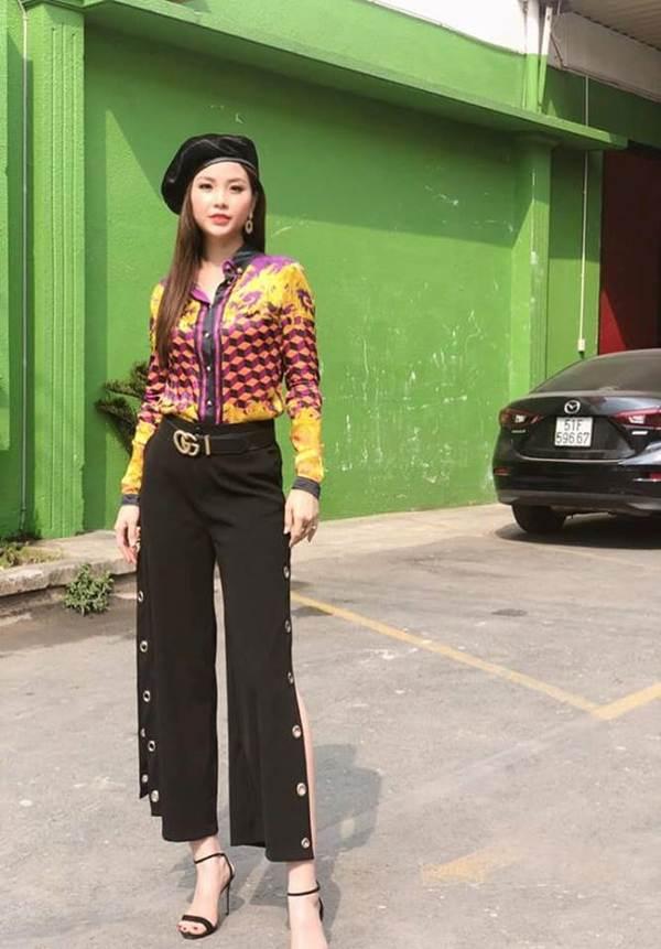 Hoa hậu Phương Khánh khoe ảnh bikini gợi cảm trên nhà cao tầng-6