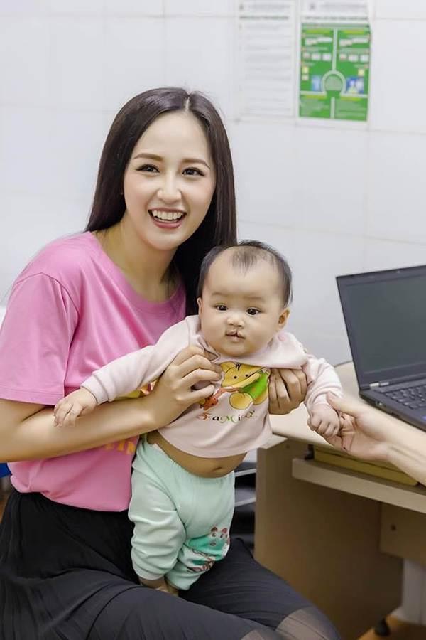 Hoa hậu Phương Khánh khoe ảnh bikini gợi cảm trên nhà cao tầng-7