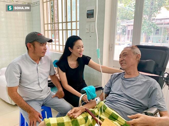 Nghệ sĩ Lê Bình bị hoại tử thân dưới nghiêm trọng, không ăn được và nói chuyện khó khăn-2